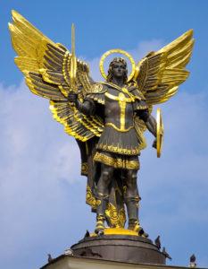 Messire Saint Michel, à vos ordres,  !